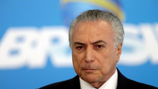 Michel Temer é empossado presidente  da República até 2018