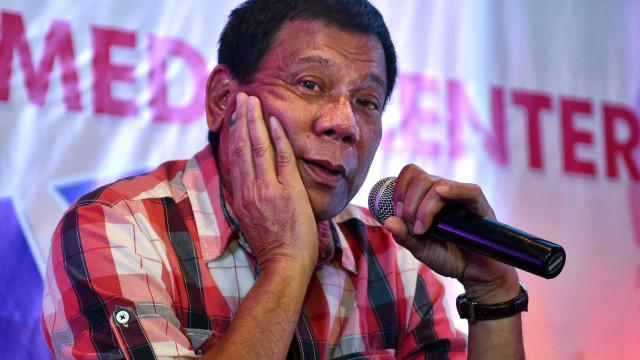 Presidente filipino não elogiou Hitler, mas quer matar milhões