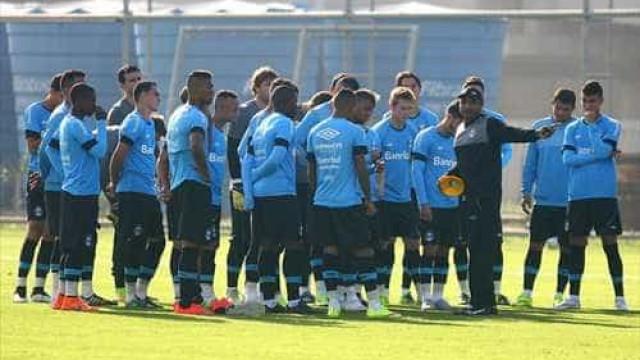 Grêmio quer reconquistar torcida em duelo em Porto Alegre