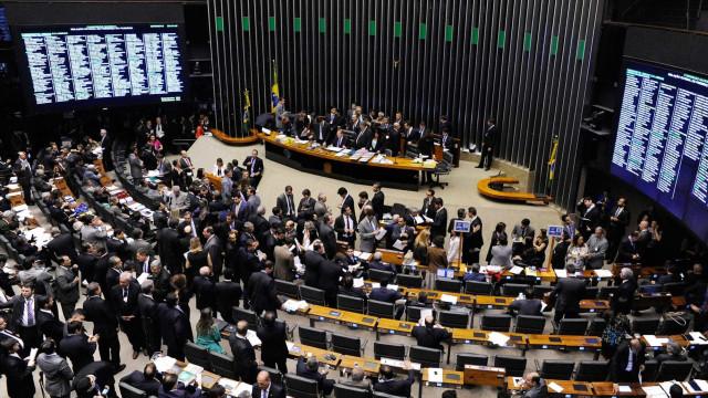 Câmara e Senado fecham acordo para  votar reforma política