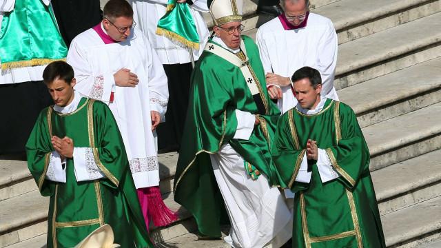 Papa Francisco nomeia 17 novos cardeais, inclusive brasileiro