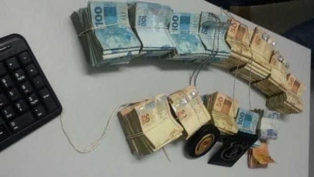 Fuzis usados em mega-assalto vieram da Venezuela, diz polícia