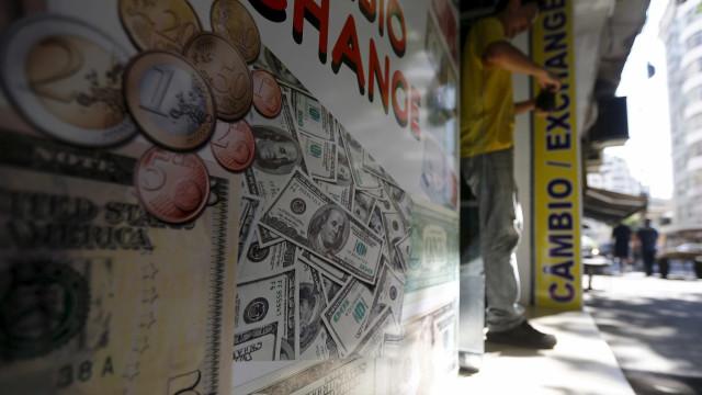 Câmbio para fim de 2016 permanece em R$ 3,25, aponta Focus
