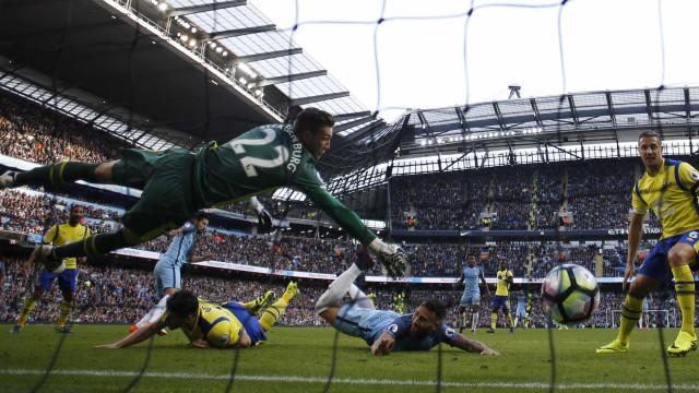City desperdiça dois pênaltis e empata com o Everton fora de casa