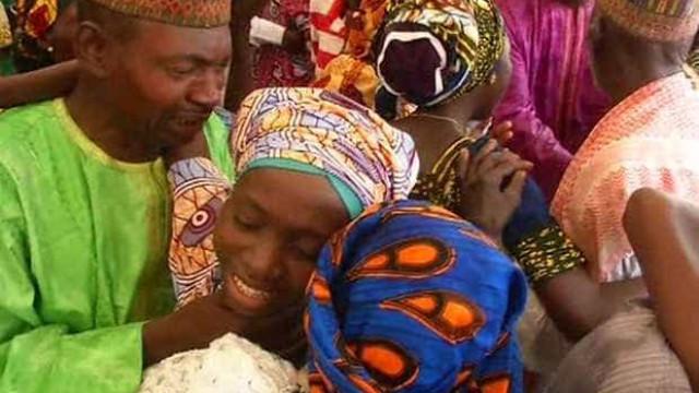 Famílias reencontram reféns do Boko Haram