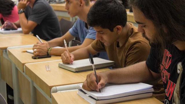 Renda social reflete desempenho de alunos das redes públicas