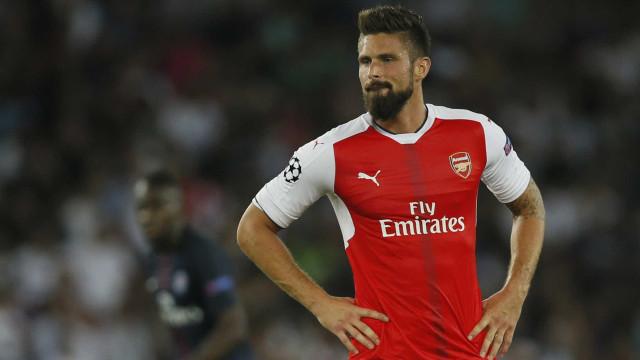 Atacante do Arsenal desafia McGregor: 'Quando você quiser'
