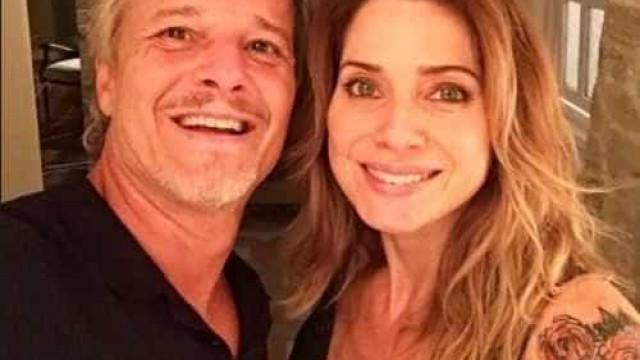 """Letícia Spiller posta foto com Marcelo Novaes  e brinca: """"Hoje tem"""""""