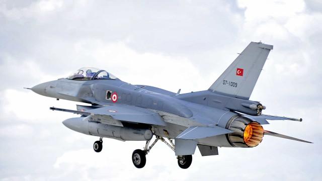 PKK derruba caça F-16 da Turquia no norte do Iraque