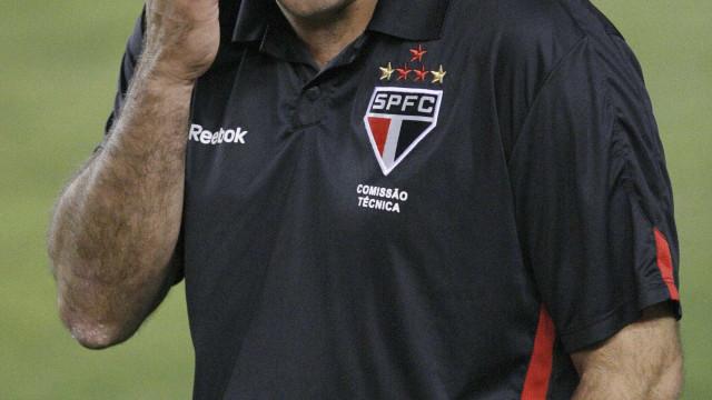Ricardo Gomes mira clássico para reação do São Paulo