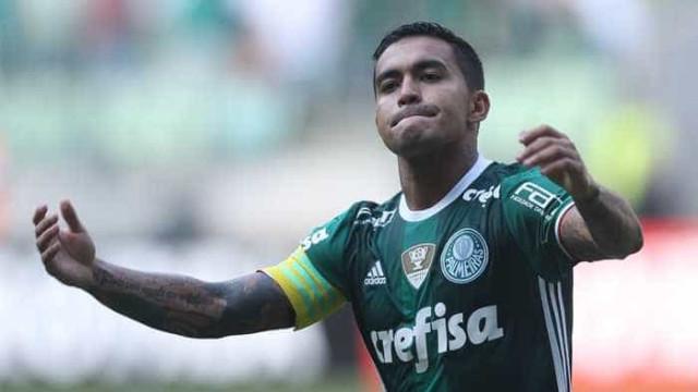 Dudu celebra momento e marca alcançada no estádio do Palmeiras