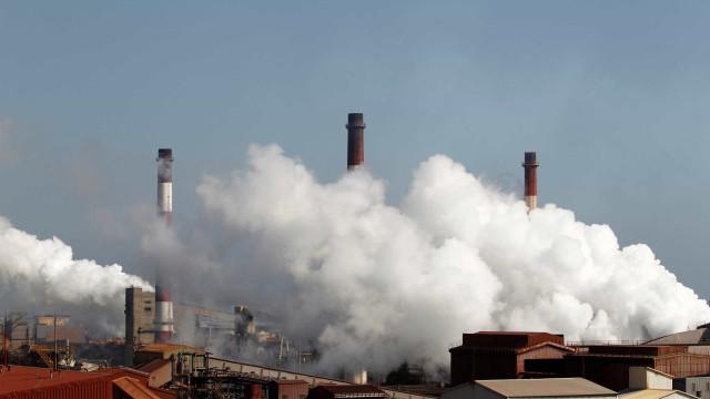 Mundo bate recorde de concentração de CO2 em 2015
