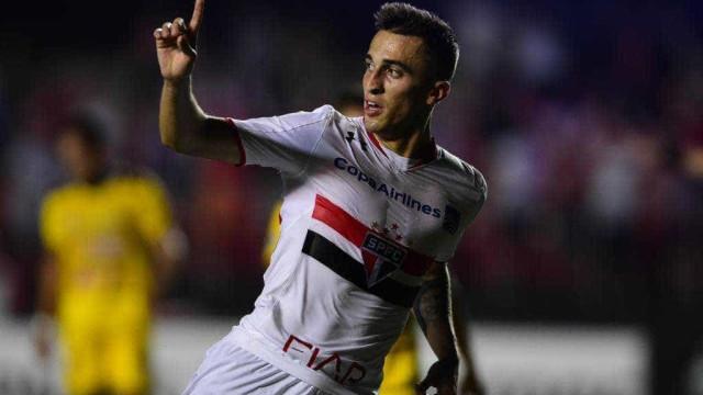 João Schmidt defende a base e espera renovar contrato com São Paulo