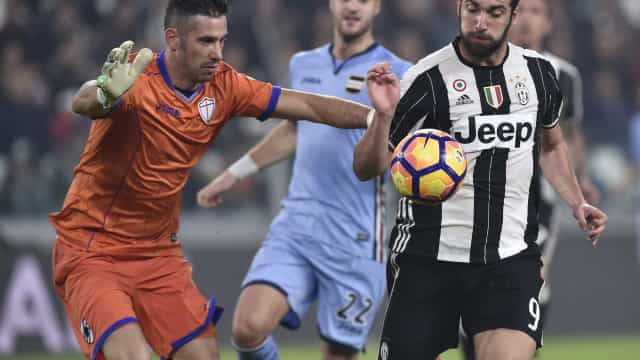 Juventus goleia Sampdoria e mantém ponta do Italiano