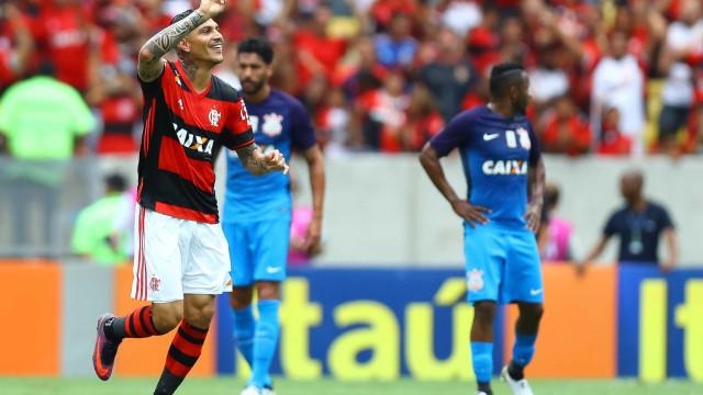 Guerrero se aproxima de marca histórica no Flamengo