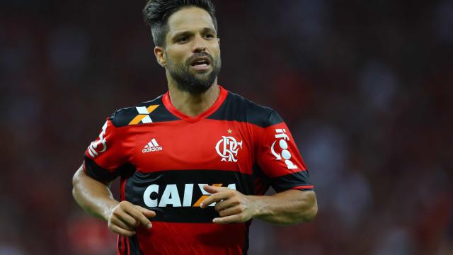 Pai-empresário elogia adaptação de Diego no Flamengo: 'Muito rápida'