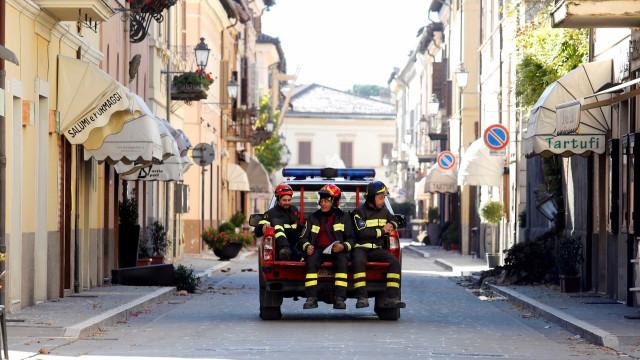 Reconstrução pós-tremor não terá 'varinha  mágica', diz Renzi