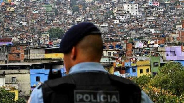 MP do Rio cumpre mandados de prisão contra policiais militares