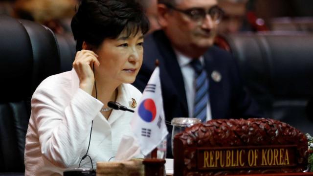 Ex-assessor de presidente da Coreia  do Sul é preso em escândalo