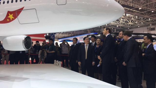 China e Rússia constroem avião  de passageiros gigante