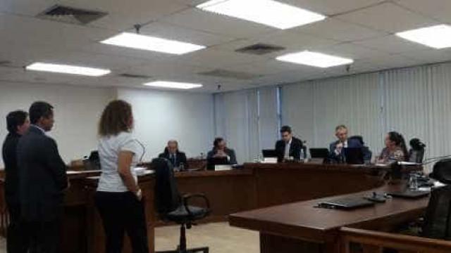 Fla e Corinthians são punidos após confronto entre torcedores e PM