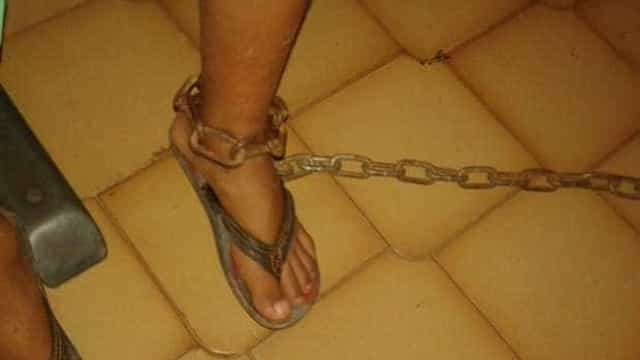 Conselho Tutelar flagra menino  acorrentado pela mãe no Tocantins