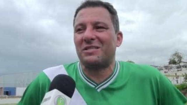 Washington 'Coração Valente' estreia com 'hat trick' no futebol amador