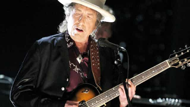 Bob Dylan não vai receber prêmio Nobel em Estocolmo
