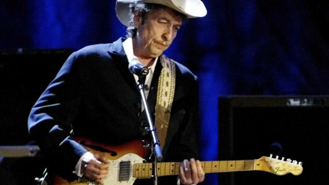 Bob Dylan receberá Nobel de Literatura em Estocolmo em 2017