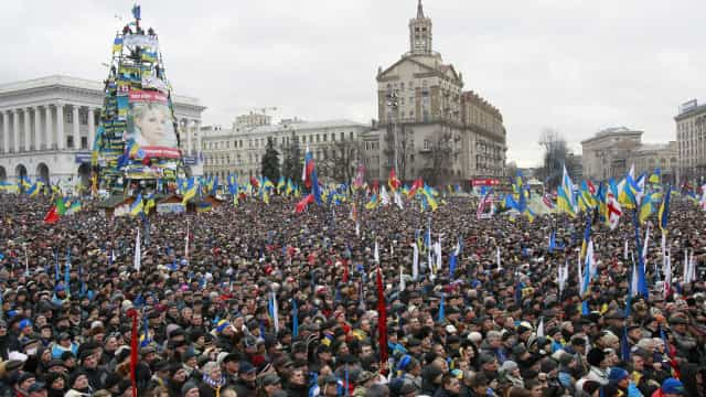 Passados 3 anos desde Euromaidan,  Poroshenko é interrogado
