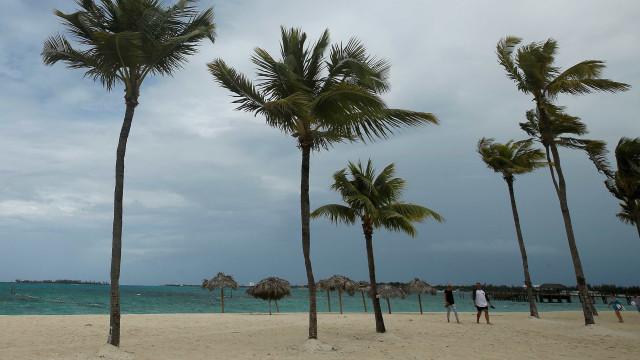 Receita faz operação contra brasileiros que têm contas nas Bahamas