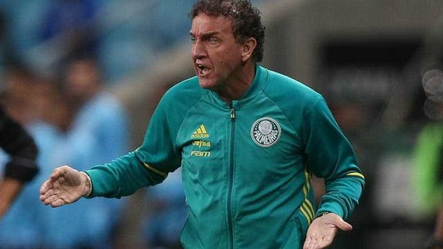 Cruzeiro segura boa fase do Palmeiras e arranca empate