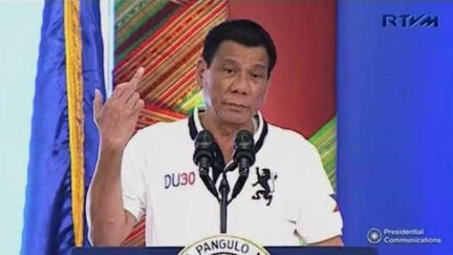 Deus manda Duterte deixar de falar palavrões