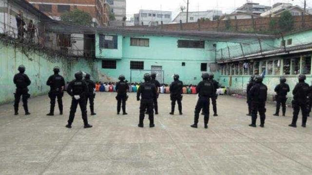 Agentes acham mais de 30 celulares durante vistoria em presídio
