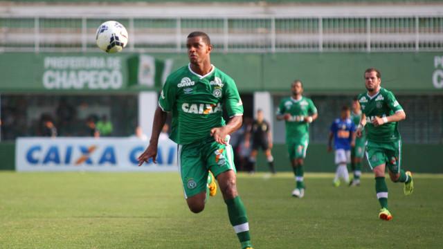 Corpo do jogador Bruno Rangel é velado em Campos dos Goytacazes