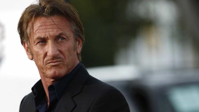 Fã obcecada invade casa de Sean Penn e acaba presa