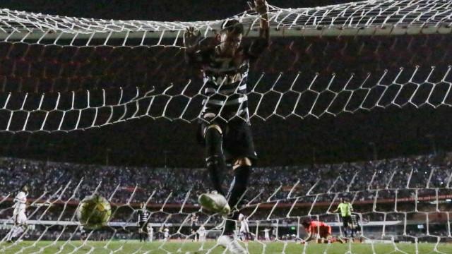 Camacho exibe confiança no Corinthians para duelo com Cruzeiro