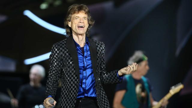 Aos 73 anos, cantor Mick Jagger é pai pela oitava vez