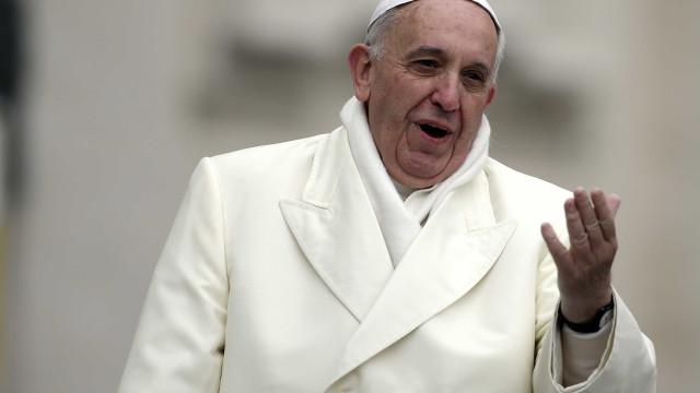 Papa pede a Assad que garanta  'direitos humanos' de sírios