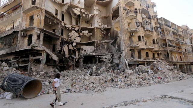 Potências mundiais chegam a acordo  sobre evacuação de Aleppo