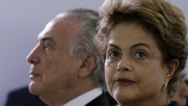 TSE: Dilma teria usado fotos de 2010 para provar serviços de 2014