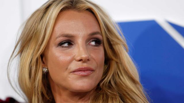 Após ataque no Twitter, gravadora anuncia morte de Britney Spears