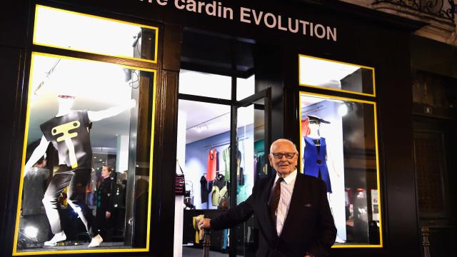 """Aos 94 anos, Pierre Cardin não tem pressa: """"Posso morrer sem vender"""""""