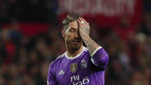 Sergio Ramos faz contra e Sevilla  quebra série invicta do Real