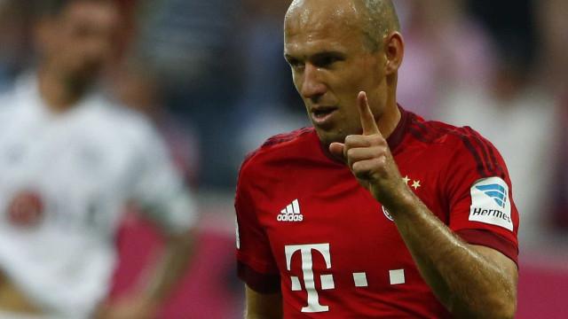 Robben renova contrato e assegura permanência no Bayern até 2018