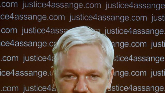 Assange está pronto para extradição a EUA