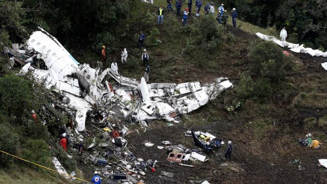 Bolívia prende técnico e o acusa de homicídio em voo da Chape