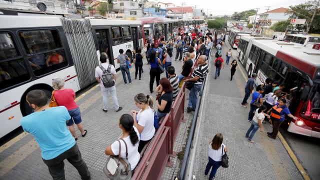 Um suspeito morre e outro fica ferido em tentativa de assalto a BRT