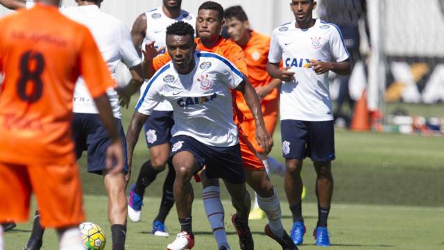 Com reservas, Corinthians vence Atibaia em jogo-treino