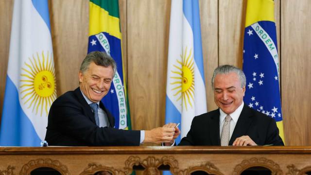Em Brasília, Temer e Macri assinam acordo comercial entre os países